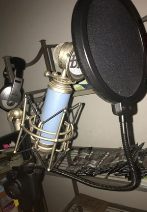 Bluebird Recording Microphone W/ A Samson Stand And XLR Cable for Sale in Columbia, SC
