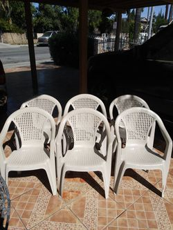 Plastic chairs for Sale in Irwindale,  CA
