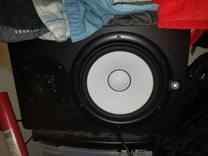 Yamaha studio speaker hs8 for Sale in Kent, WA