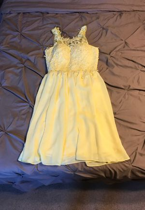 Formal Pale Yellow Dress Size 2 for Sale in Palmyra, NJ