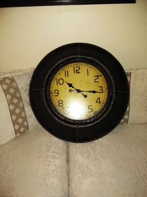 Antique large clock don't want to miss out on this for Sale in North Highlands, CA