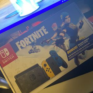 Nintendo Switch Fortnite Bundle for Sale in Palmdale, CA