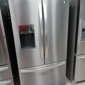 New Whirlpool french Door for Sale in Pomona, CA