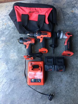 Snap on drill, impact, and light set for Sale in Odenton, MD