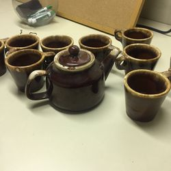 Ceramic Teapot Set w/ 10 mugs for Sale in Pasadena,  CA