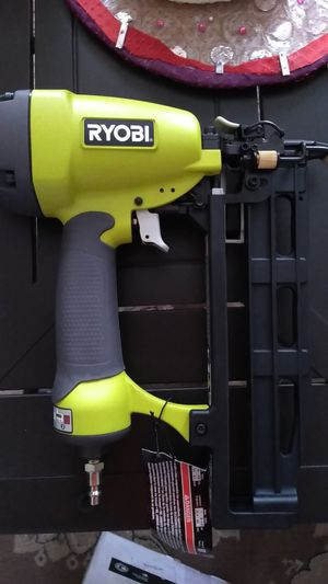 Ryobi kit pneumatic for gun nails, tip straight Ryobi yg250fs 2.5 inches. X 16 inches for Sale in Decatur, GA