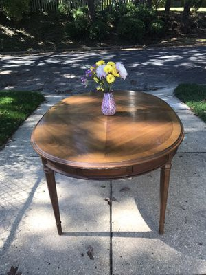 Kitchen/ Dining room table for Sale in Tinton Falls, NJ