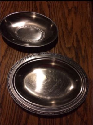 Matching metal oval serving bowl dishes for Sale in Milnesville, PA