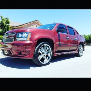 Chevrolet avalanche Ltz for Sale in Austin, TX