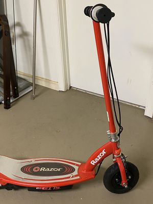 Razor E175 Electric Scooter for Sale in Lumberton, NJ