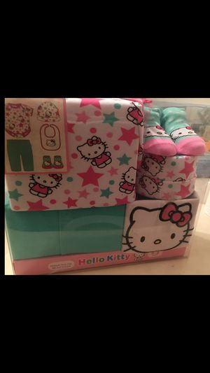 Hello kitty 0-6 month gift set for Sale in Cape Coral, FL