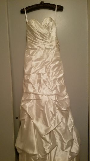 Gorgeous Wedding Dress for Sale in Grand Junction, CO
