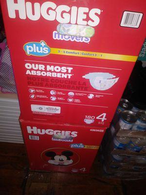HuGGies litllemovers size 4 $ 47 por caja oh cambio por formula Enfamil 12 0z for Sale in Los Angeles, CA