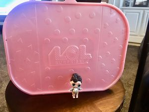 LOL SURPRISE DOLL CARRIER WITH HANDLE! HOLDS QUITE A FEW LOL DOLLS!! 15 X 7 INCHES - NICE & HUGE INSIDE ! CLEAN AND SPARKLY INCLUDES ONE LOL DOLL for Sale in Modesto, CA