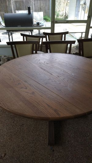 FREE Wood table and chairs. Chairs need repairing . Table is good. for Sale in Altamonte Springs, FL