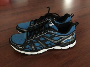 361 DEGREES MEN'S SNEAKERS BRAND NEW - SIZE 10.5 for Sale in Tampa, FL