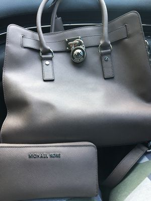 Mk purse and wallet for Sale in Wichita, KS