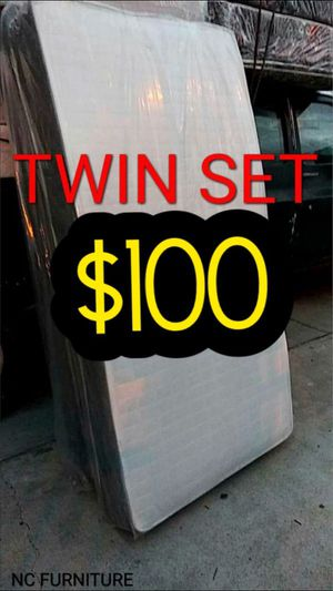 Twin mattress and box spring for Sale in Hawthorne, CA