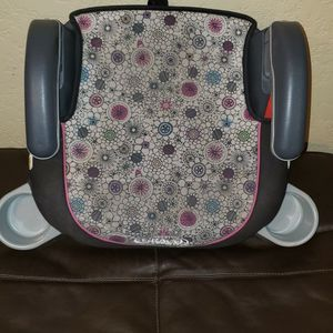 Car Seat For A Girl for Sale in Hialeah, FL