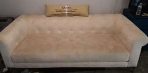 White tufted couch for Sale in Treasure Island, FL