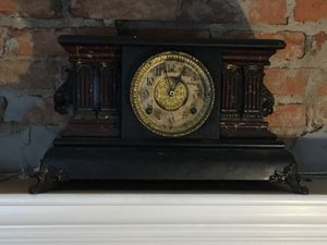 Mantle Clock for Sale in Louisville, KY