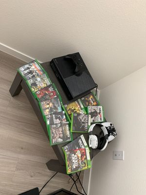 XboxOne 1TB Bundle w/ 12 games, 2 controllers, Turtle Beach Gaming headset for Sale in Phoenix, AZ