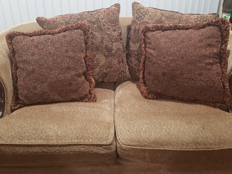 2 Set Couch for Sale in Chicago,  IL