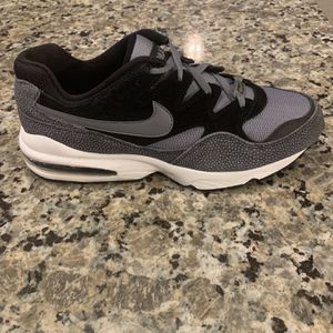 Men's Nike Air Max Safari Size 10.5 for Sale in Tobaccoville, NC