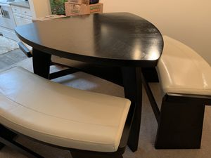 Bar height dining room table for Sale in Tampa, FL