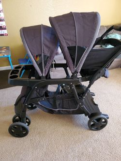 Graco Double Stoller for Sale in Salinas,  CA