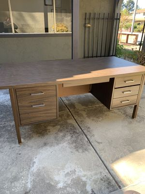 Desk for Sale in Sunnyvale, CA