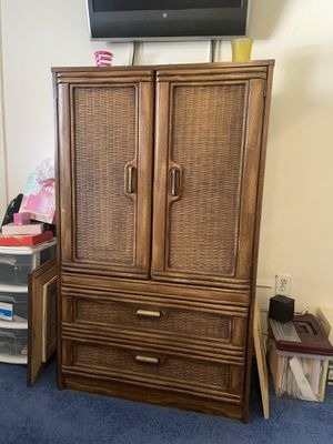 Free Wooden Bedroom Set! for Sale in Miami, FL