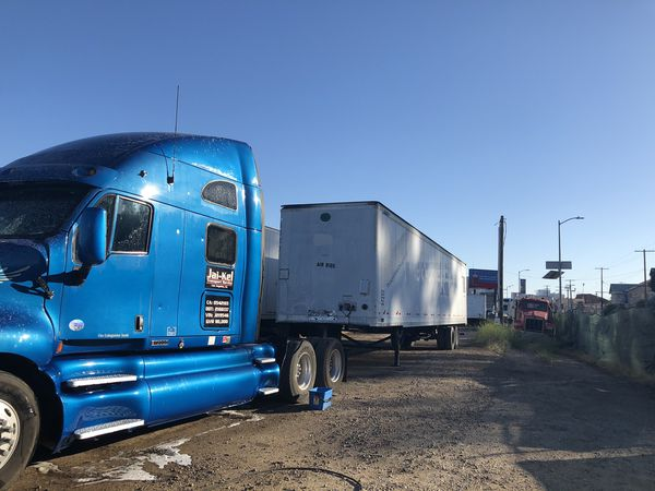 2000 Great Dane 53 ft trailer. Air Ride. Swing doors. Two Horizontal Etracks. Good Working Condition. Trades welcomed