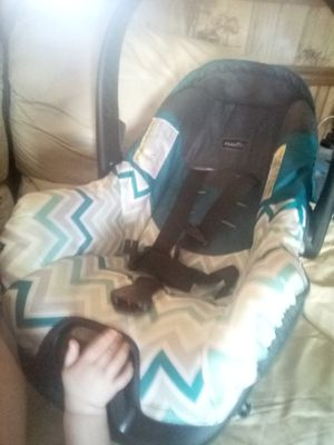 Infant car seat and bathtub for Sale in Union, MS