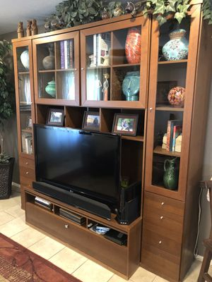 TV entertainment center with bookshelves and drawers for Sale in Phoenix, AZ