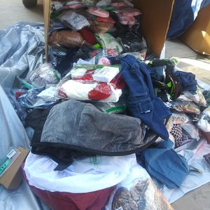 pallets clothes pallets man and woman new Amazon $650 for Sale in Los Angeles, CA