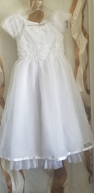 It's Not Too Late, Princess Pretty all white Girls dress. Size 7. for Sale in Belleville, IL