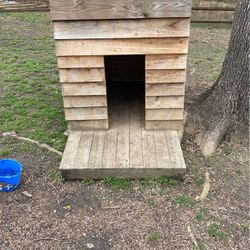 Dog House for Sale in Charlotte,  NC