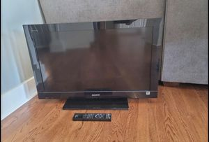 Sony 32 inch tv with remote for Sale in Overland Park, KS