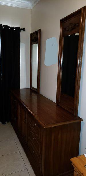 Dresser and bedside tables for Sale in Fort Lauderdale, FL