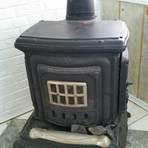 Antique fireplace like New for Sale in Alexandria, VA