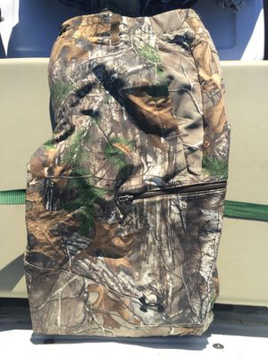 Under Armour camo pants for Sale in Newberg, OR