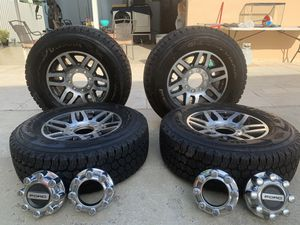 275/70R18 for Sale in Opa-locka, FL