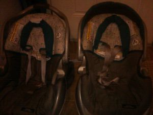 2 graco snugride classic cars seats for Sale in Richmond, VA