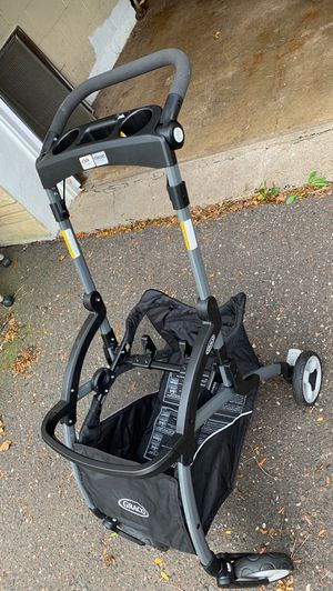 Graco Car Seat Stroller/ frame/ carrier for Sale in Maplewood, MN