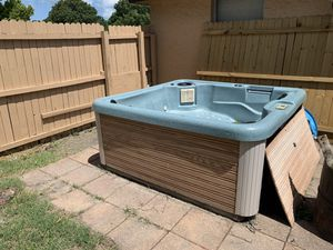 Hot tub (needs work) for Sale in Port Richey, FL