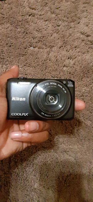 Nikon s6800 coolpix for Sale in Dearborn, MI