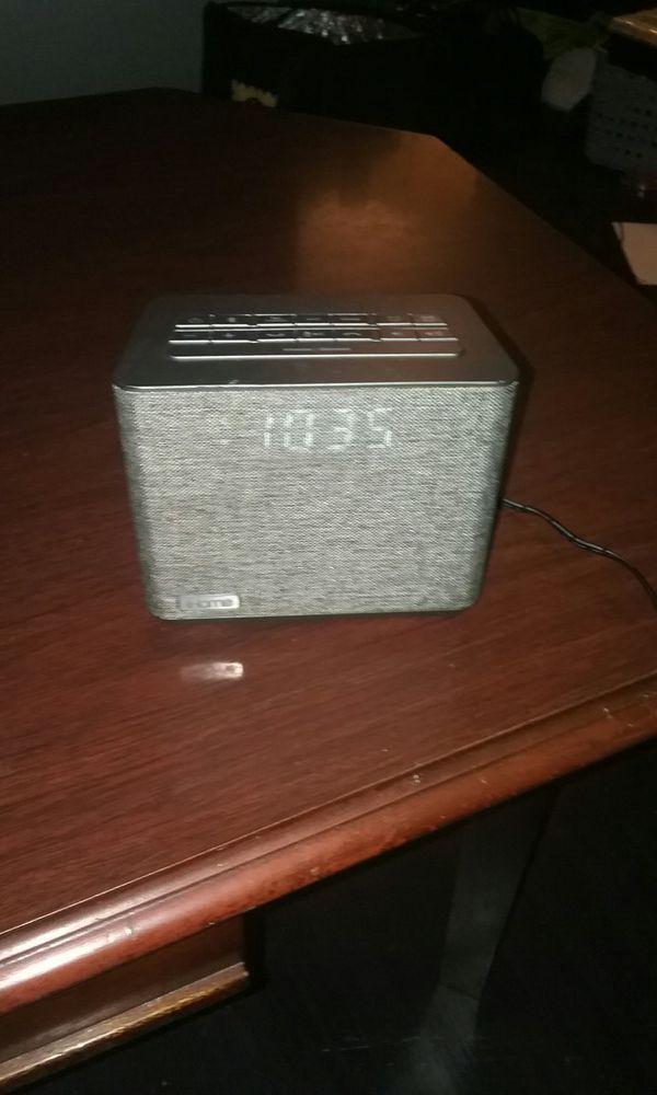 IHome Bluetooth alarm clock speaker