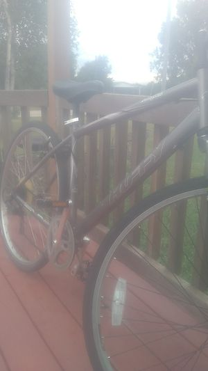 "Huffy 28"" hybrid,6 speeds air ride,very nice bike,either Men or Woman for Sale in Saint CLR SHORES, MI"