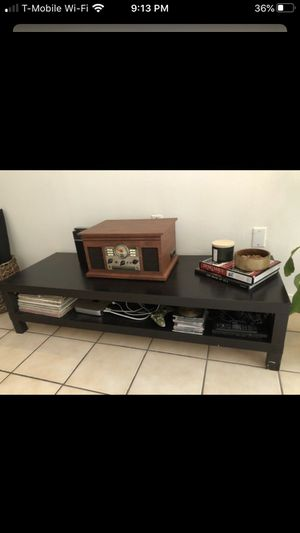 Free tv stand and coffee table for Sale in Miami, FL